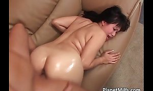 Very concupiscent eastern milf rides broad in the beam ding-dong